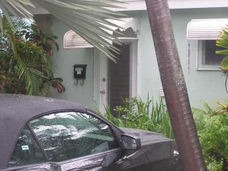 One Bedroom Apartment in East Ft Lauderdale - Fort Lauderdale vacation rentals