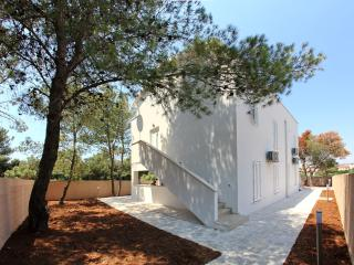 Vila Moli Apartments- 2 Bedroom Lux Apartment Mili - Zadar County vacation rentals