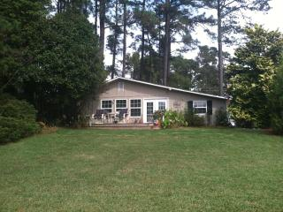 Beach Cottage - Edenton vacation rentals