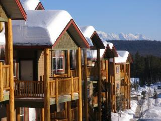 Luxury Loft | 3 bdrm loft + hot tub / BBQ sleep 14 - Kimberley vacation rentals