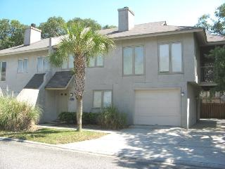 #17 11th Place - Located in the Tybee Straits community with it`s own beach access - FREE Wi-Fi - Tybee Island vacation rentals