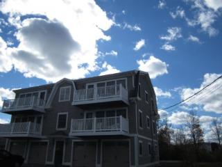 Y800-3 - York vacation rentals