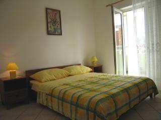 Apartmani Igor - 4+1 - Pag vacation rentals