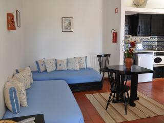 STUDIO FOR 2 IN A RESORT DEDICATED TO SPORTS, NATURE AND SUN NEAR CABANAS, TAVIRA - NEXT TO THE RIA FORMOSA - REF. PDR134222 - Monte Gordo vacation rentals