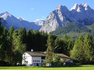 LLAG Luxury Vacation Apartment in Garmisch-Partenkirchen - 1023 sqft, peaceful, modern, quiet (# 4878) - Bavarian Alps vacation rentals