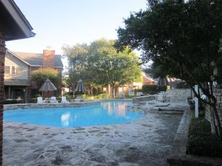 3 Bedr. Condo Unit#81 Near Fiesta Texas, Sea W. - San Antonio vacation rentals