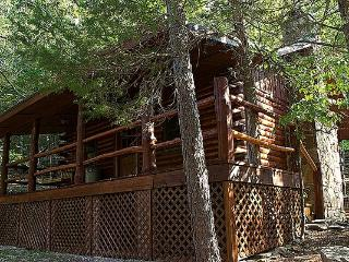 Cinnamon Valley - 'The Cherokee' - Eureka Springs vacation rentals
