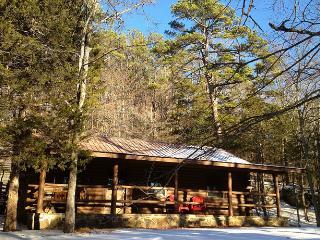 Cinnamon Valley - 'The Lake House' - Eureka Springs vacation rentals
