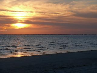 Airy Beach Apartment - Fort Myers Beach vacation rentals