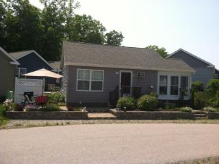 Fullly Furnished Cottage with Lots of Charm! - Wells vacation rentals
