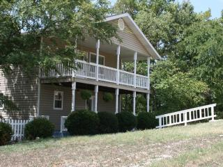 Serenity Hilltop Retreat--Family Friendly - Arkansas vacation rentals