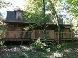 Spacious 2 Story Home. Weekly & monthly rentals! - Pollok vacation rentals