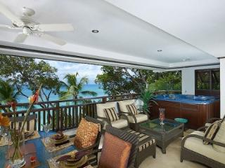 3 Bedroom Apartment with Jacuzzi in Paynes Bay - Paynes Bay vacation rentals
