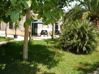 Masseria Lama apartments surrounded by a big garden - Uggiano La Chiesa vacation rentals