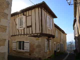 Welcome in Lactora ! - Charming little town house - Lectoure vacation rentals