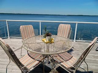 Prince Edward County Sandbanks Getaway - Prince Edward County vacation rentals