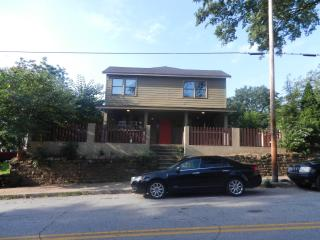 5 BDRMs/4.5 Bathrooms Intown @Historic Grant Park - Atlanta vacation rentals