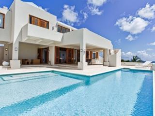 Phenomenal 3 Bedroom Villa in Long Path - Sile Bay vacation rentals