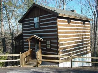 ER86 - CUDDLY BEAR - Pigeon Forge vacation rentals