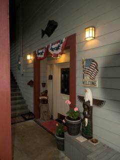 Black Bear Inn's Eagles Nest Apartment - Ketchikan vacation rentals