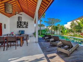ECHO BEACH VILLA 1, 3 large BR, Beach Villas - Canggu vacation rentals