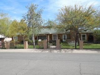 Spacious, Spotless Home In The Heart Of Scottsdale - Scottsdale vacation rentals