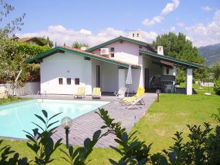 Villa Alborella 18 - San Felice del Benaco vacation rentals