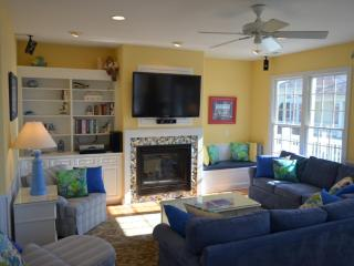 EVERMORE luxury! Pool/elevator/hot tub/sleeps 16 - Emerald Isle vacation rentals