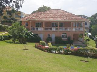 3 Bedroom Villa walking distance to downtown - Sosua vacation rentals