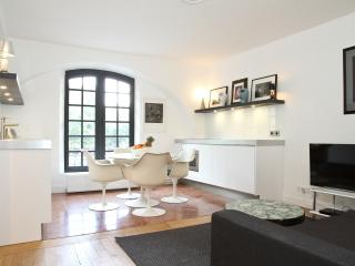 36. MODERN APARTMENT - OPEN VIEW ON THE MARAIS - Paris vacation rentals