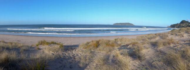 Beach in front of  surf Shack - NZ Duke's Beach Front surf shack - Tairua - rentals