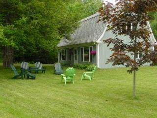 Starry Nights Cottage- Bayside Village, Northport - Northport vacation rentals