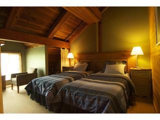 Room as twins - Latitude Five Zero - Whistler - rentals