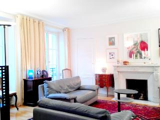 Absolute Paris Orsay apartment 120m2 6 sleeps - Paris vacation rentals