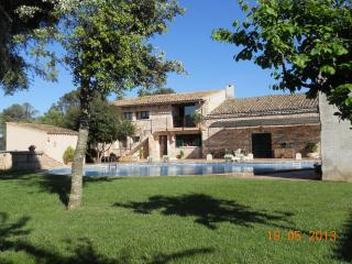 ( finca-villa rural Cas contador )   gran piscina - Algaida vacation rentals