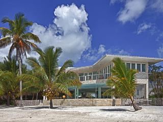 Contemporary Bali-style Design -120ft sandy beach - Florida Keys vacation rentals