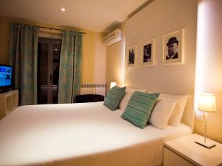 Central to Great Shopping & Dining - Madrid vacation rentals