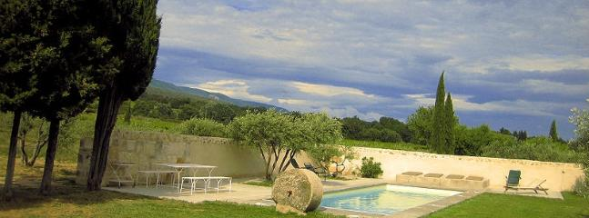Bastide Charme,  Luberon Large Villa with View and Private Pool - Image 1 - Lourmarin - rentals