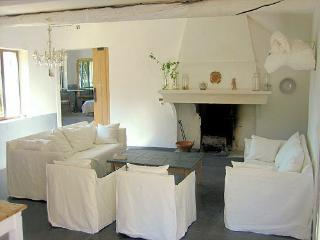 Bastide Charme,  Luberon Large Villa with View and Private Pool - Lourmarin vacation rentals
