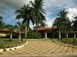 Villa Chavón, Full Staff; Up To 40% Off! - Altos Dechavon vacation rentals