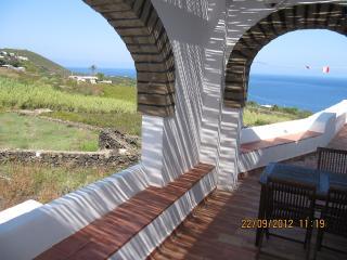 Isola di Pantelleria, dammuso Ginestra - Scauri vacation rentals
