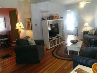 Barnstable Village Vacation home sleeps 8, Pet friendly - Hyannis Port vacation rentals