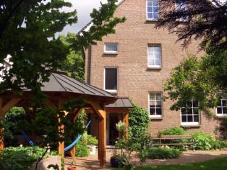 Vacation Apartment in Oberkrämer - 861 sqft, bright, central, comfortable (# 4921) - Brandenburg vacation rentals