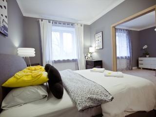 Modern Old Town apartment! Bednarska 9 - Warsaw vacation rentals