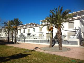 Modern condo in Platja d'Aro for 6 people, only 100m from the beach - Costa Brava vacation rentals