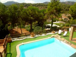 Enchanting 4-bedroom villa for 10 guests in Las Marinas, just 35 km from Barcelona - Sant Llorenc Savall vacation rentals