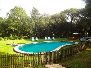 Charming and private five-bedroom villa in Santa Cristina d'Aro, just 5km to the beach - Costa Brava vacation rentals
