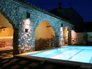 Magnificent medieval villa with 9 bedrooms for 22 guests, in the hills of Catalonia - La Llacuna vacation rentals