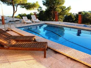 Coastal villa in Castellet, 5km from Costa Dorada beaches - Province of Tarragona vacation rentals