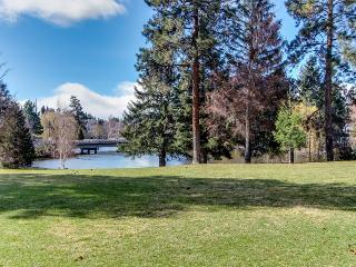 Pet-friendly condo w/ shared pool & hot tub access! - Bend vacation rentals